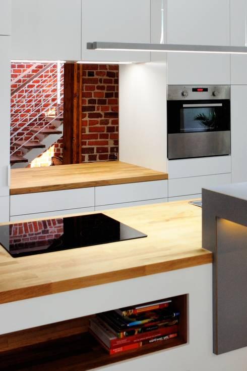 Dom Widzewska: styl , w kategorii Kuchnia zaprojektowany przez REFORM Konrad Grodziński