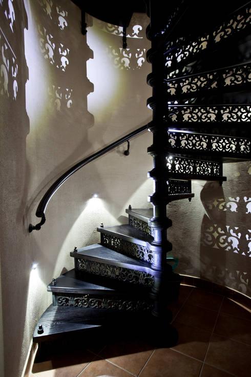 Винтовая лестница. Чугун:  в . Автор – SAVAS