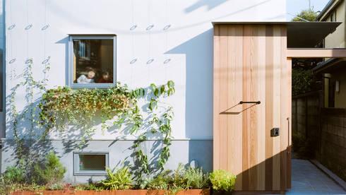 外観: Far East Design Laboが手掛けた家です。