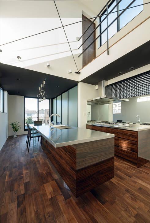 キッチン(上部吹き抜け): H建築スタジオが手掛けたキッチンです。