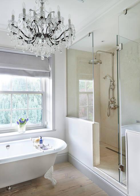 Drummonds Bathroomsが手掛けた洗面所&風呂&トイレ