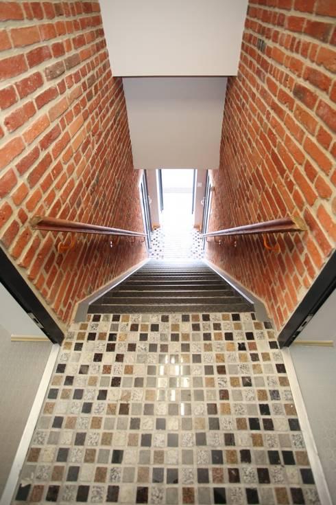 Corridor & hallway by REFORM Konrad Grodziński