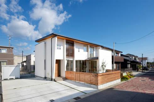 外観(南西角): H建築スタジオが手掛けた家です。