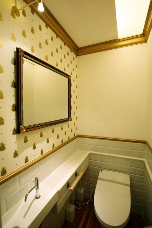 トイレ: 戸田晃建築設計事務所が手掛けた浴室です。