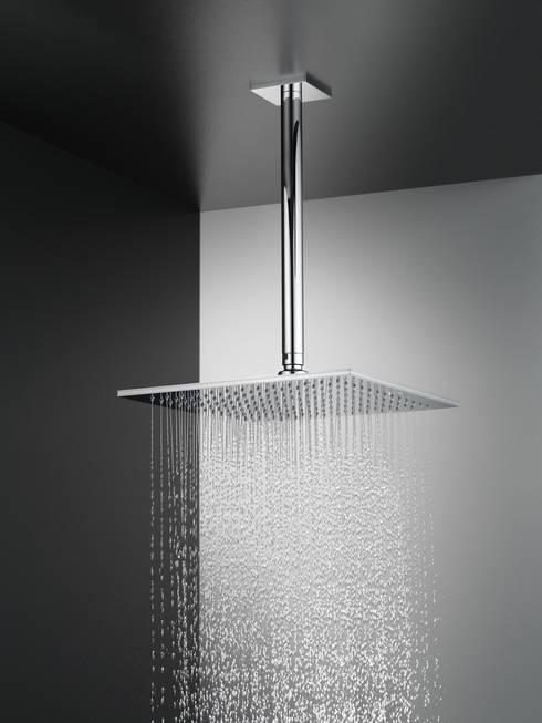 KWC PIATTO – SPA-Erlebnis unter der Dusche:  Badezimmer von KWC Deutschland GmbH