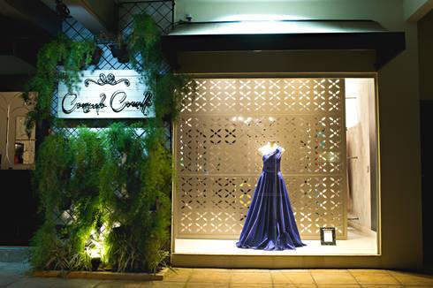Fachada: Lojas e imóveis comerciais  por Rafaela Dal'Maso Arquitetura