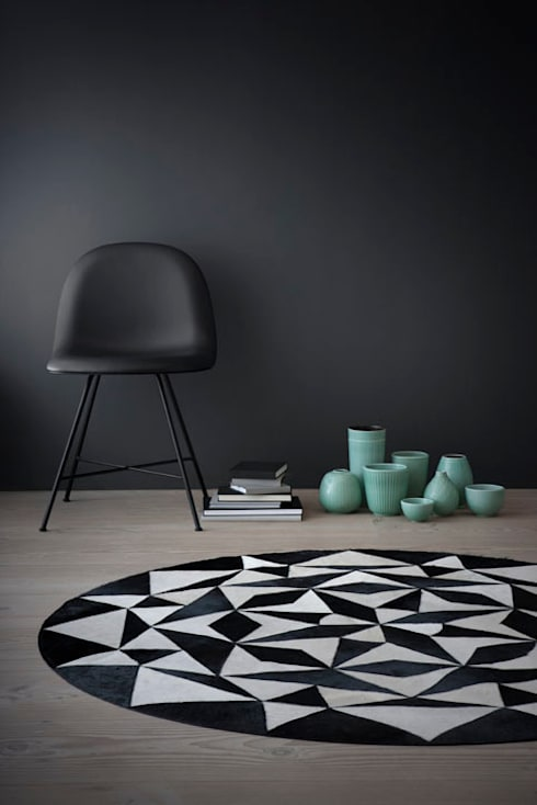 WovenGround Ambition round rug:  Walls & flooring by WovenGround