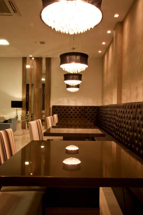 Salão de festas: Sala de jantar  por Daniela Vieira Arquitetura
