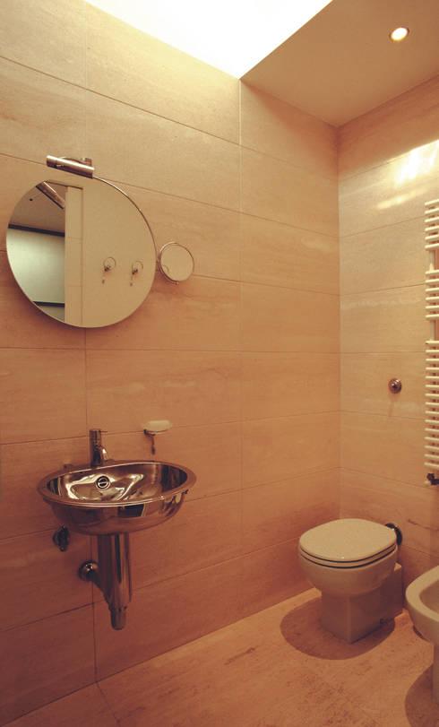 Appartamento sottotetto nel centro di firenze di arcabi - Bagno nel sottotetto ...