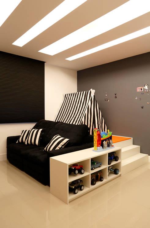 Projekty,  Pokój dziecięcy zaprojektowane przez Amanda Miranda Arquitetura