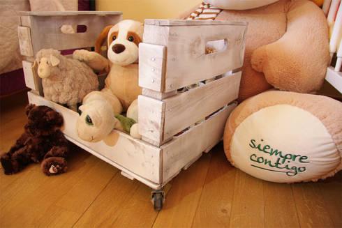 OLIVO revistero cajas fruta: Hogar de estilo  de ECOdECO Mobiliario