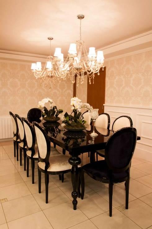 APARTAMENTO CLÁSSICO: Salas de jantar  por Apê 102 Arquitetura