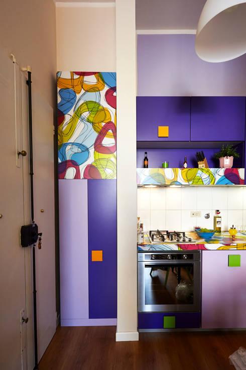 Ingresso: Cucina in stile  di Diciassette Tredici