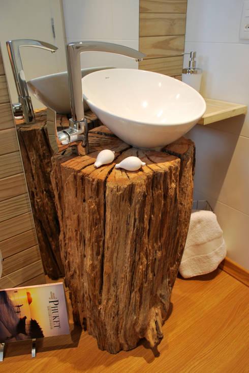 Lavabos e Banheiros: Banheiros rústicos por ARQ Ana Lore Burliga Miranda
