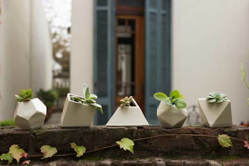 Sólidos Platónicos: Balcones y terrazas de estilo moderno por Sílice - almacén de diseño -