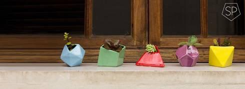 Decoración del Hogar: Balcones y terrazas de estilo moderno por Sílice - almacén de diseño -