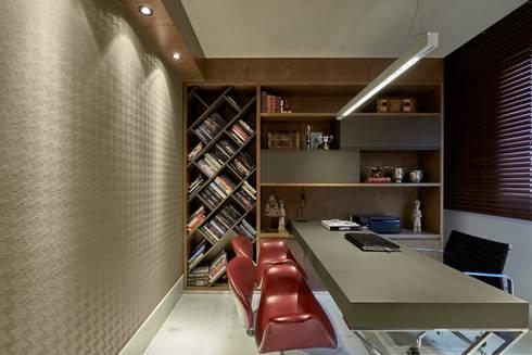 Apartamento Belvedere 2014: Escritório e loja  por Gislene Lopes Arquitetura e Design de Interiores