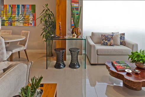 Hiên, sân thượng by IE Arquitetura + Interiores