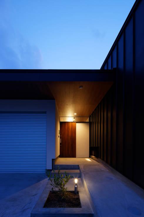 高松の家-oyamaya-: タカオジュン建築設計事務所-JUNTAKAO.ARCHITECTS-が手掛けた家です。
