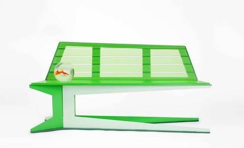 E.B.B. bench: moderne Woonkamer door Studio Roex