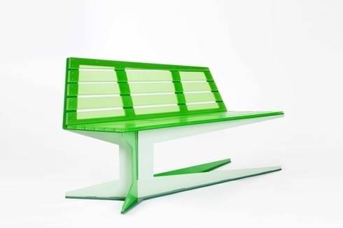 E.B.B. bench: modern Balkon, veranda & terras door Studio Roex
