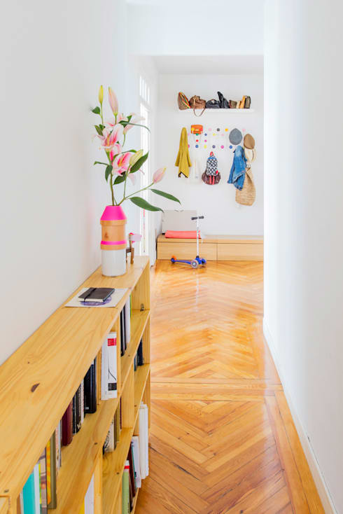 Vivienda zona plaza de Olavide, Madrid: Pasillos y vestíbulos de estilo  de nimú equipo de diseño