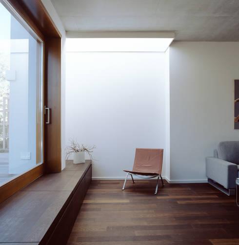 Living room by Löffler Weber | Architekten