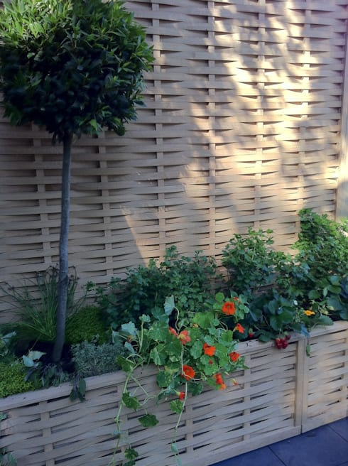 Border edging -raised beds: country Garden by Quercus UK Ltd