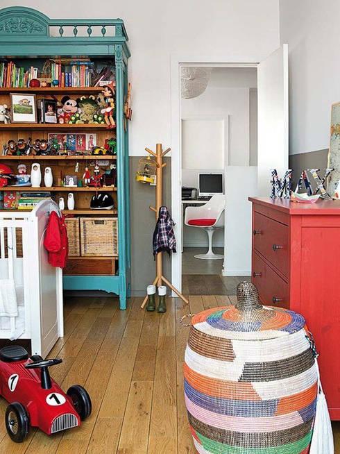 Vivienda zona Malasaña, Madrid: Dormitorios infantiles de estilo escandinavo de nimú equipo de diseño