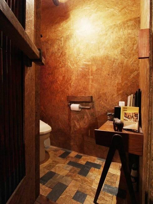 日野の家: HandiHouse projectが手掛けた浴室です。
