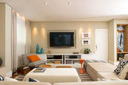 Sala de TV 02:   por Lembi Arquitetura