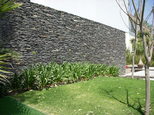 Piedra Laja: Jardines de estilo moderno por Piedra Serena