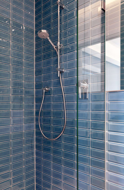 Wohnhaus, München Nymphenburg: klassische Badezimmer von Löffler Weber | Architekten