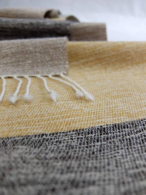 『ぼんやりした布 その3』: 布きれ・やました 山下枝梨子が手掛けた家庭用品です。