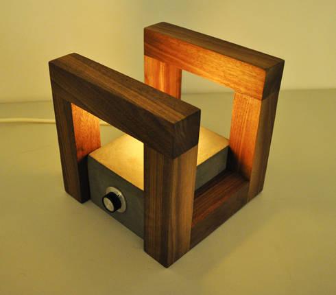 Bedlampje: minimalistische Slaapkamer door NokNok