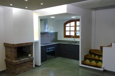 Ampliaci n cocina comedor en roda de bar de escudero for Ampliacion de cocina comedor