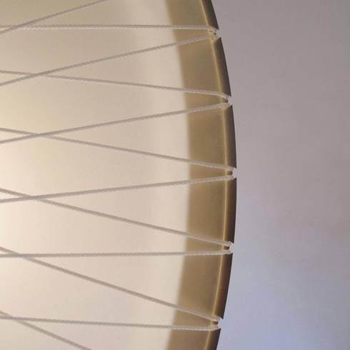 Detail disque lamp: industriële Woonkamer door Marc Th. van der Voorn