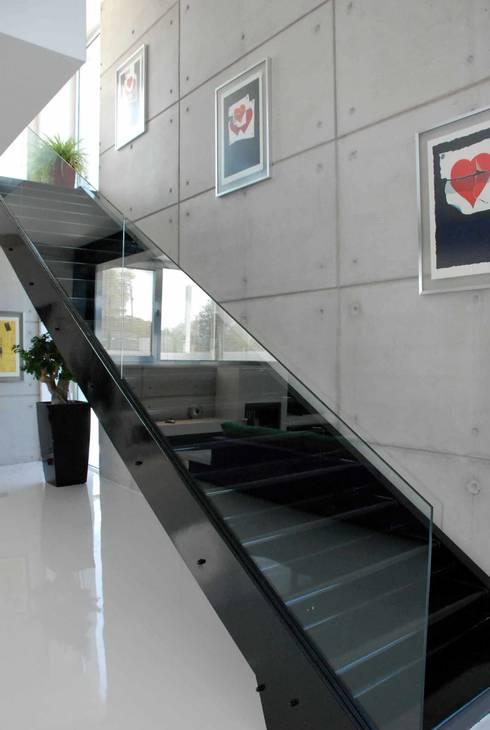 Unlimited Design – Mamurbaba Summer House: minimal tarz tarz Koridor, Hol & Merdivenler