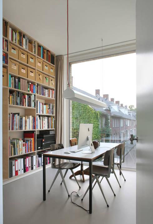 Woonhuis Bedaux-Nagengast:  Woonkamer door Bedaux de Brouwer Architecten