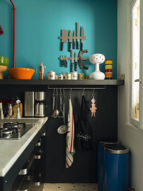 Appartement Observance: Cuisine de style  par nesso