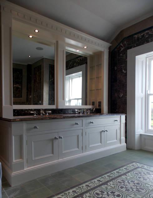 Luxury Bathroom:  Bathroom by Designer Kitchen by Morgan