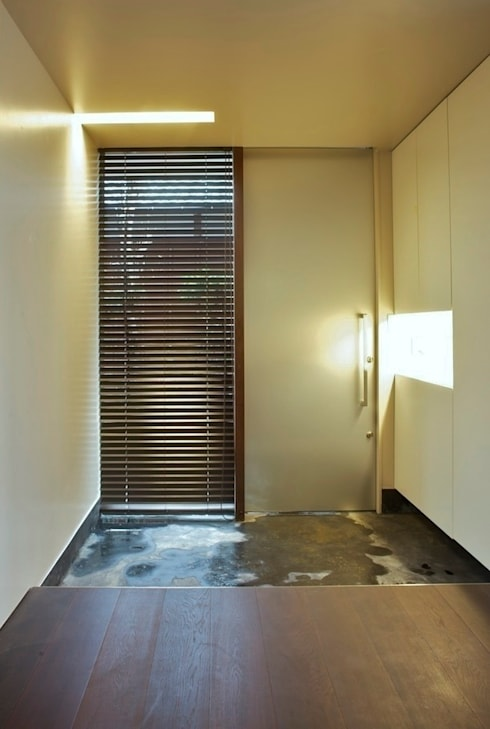 Air flap ―窓というには大きすぎる!オープンエアーな空間―: 一級建築士事務所オブデザインが手掛けた窓です。