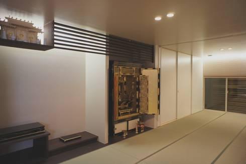 Air flap ―窓というには大きすぎる!オープンエアーな空間―: 一級建築士事務所オブデザインが手掛けた多目的室です。