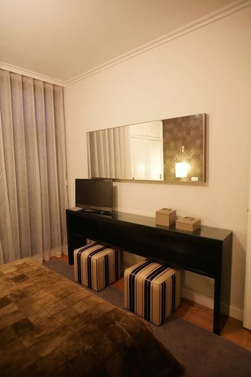 Quarto: Quartos modernos por Traço Magenta - Design de Interiores