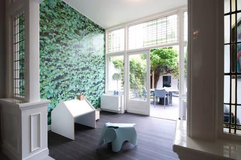 Verbouwing en inrichting herenhuis door StrandNL architectuur en ...