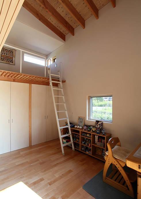 一色白山の家/house of isshikihakusan: haco建築設計事務所が手掛けた書斎です。