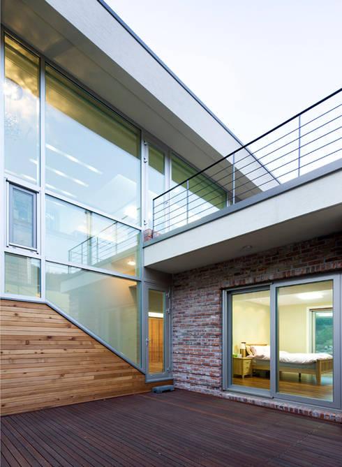 Huizen door 유오에스건축사사무소(주)