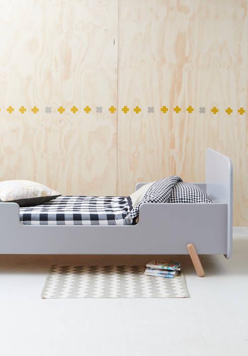 juniorbed VROLIJK: scandinavische Kinderkamer door ukkepuk meubels