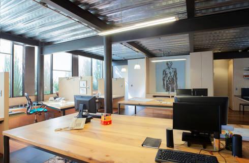 Edificio Teotihuacán - Oficinas: Oficinas y tiendas de estilo  por Cm2 Management