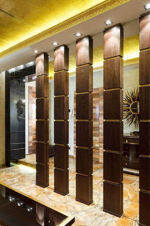 Vestíbulos, pasillos y escaleras de estilo  por RobertoStracciaStudio